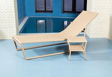 wicker-lounger